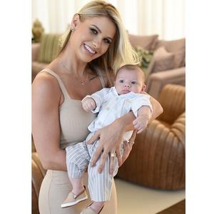 Andressa Suita com o filho, Gabriel