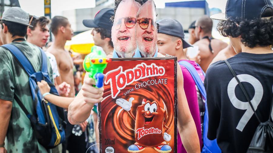 """""""Jojo Todynho"""": Bloco Casa Comigo lota Largo da Batata e ruas de Pinheiros, em São Paulo - Edson Lopes Jr./UOL"""