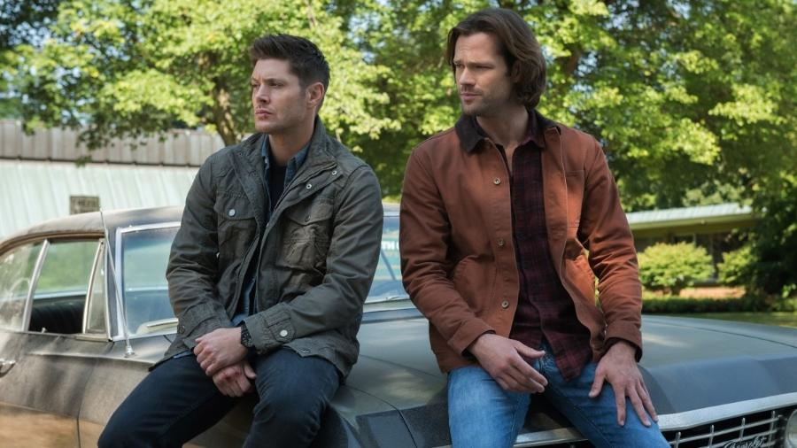 """Jensen Ackles e Jared Padalecki em cena da série """"Supenatural"""" - Divulgação"""