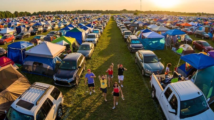 Área do camping no festival Bonnaroo 2018 - Reprodução/Facebook