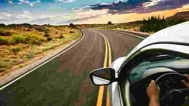 """Pegar o carro e passar o dia em algum lugar pertinho de casa também é uma boa """"viagem"""" - Getty Images - Getty Images"""