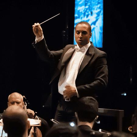 Orquestra paulista toca músicas de Chaves e faz sucesso na internet