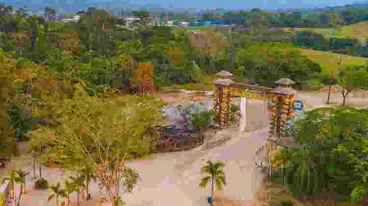 Entrada do Parque Temático Hacienda Nápoles, cujo terreno pertenceu a Pablo Escobar - Divulgação/Parque Temático Hacienda Nápoles