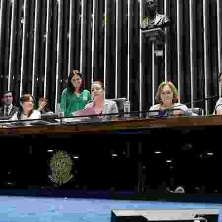 Senadoras Juíza Selma, Eliziane Gama, Leila Barros (presidindo a sessão), Zenaide Maia e Simone Tebet no Plenário em 12 de março - Roque de Sá/Agência Senado