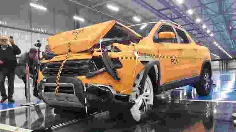 Fiat Toro foi submetida a impacto frontal a 48 km/h - Vitor Matsubara/UOL