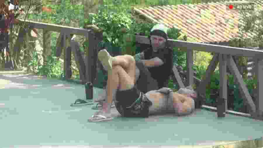 Viny e Guilherme conversam - Reprodução/Playplus