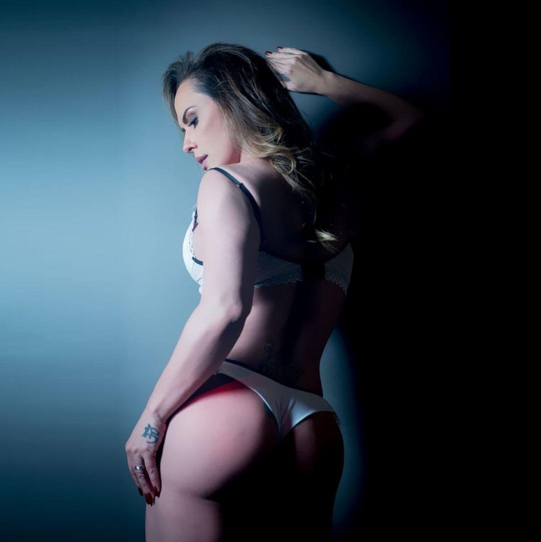 Buceta Da Claudia Leite nubia oliiver posta foto de lingerie e fala sobre