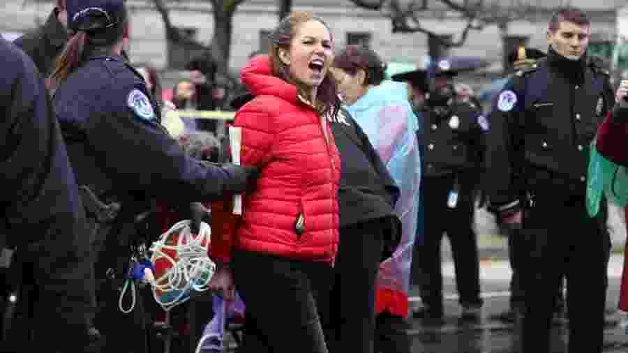 Diane Lane é presa em protesto nos EUA - Reprodução/Twitter