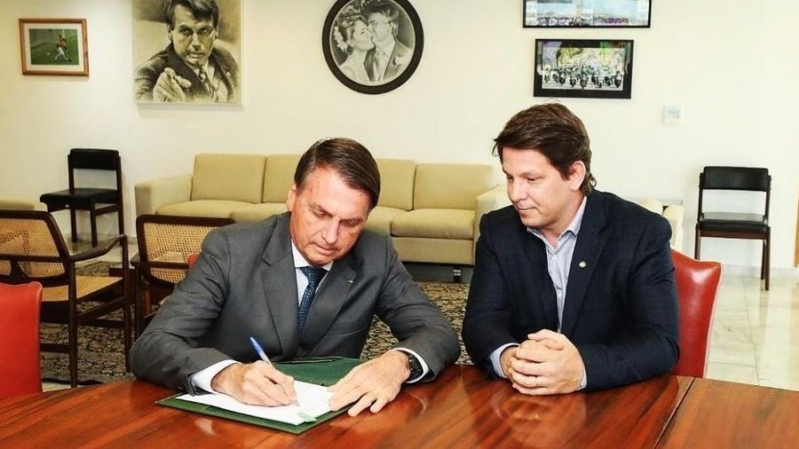 Bolsonaro assina decreto que regulamenta o Programa Nacional de Apoio à Cultura - Reprodução/Instagram