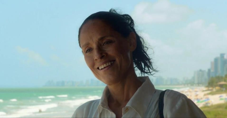 """Sonia Braga em cena do filme """"Aquarius"""", de Kleber Mendonça Filho"""