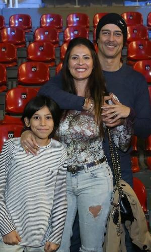 Marcello Antony com a mulher, Carolina Villar no Disney On Ice, na Jeunesse Arena no Rio de Janeiro