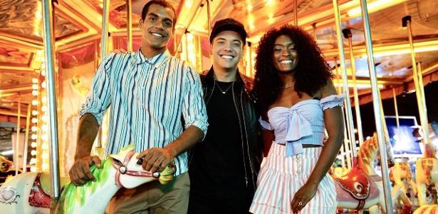 Wesley Safadão ao lado de Marcello Melo Jr. e Erika Januzza