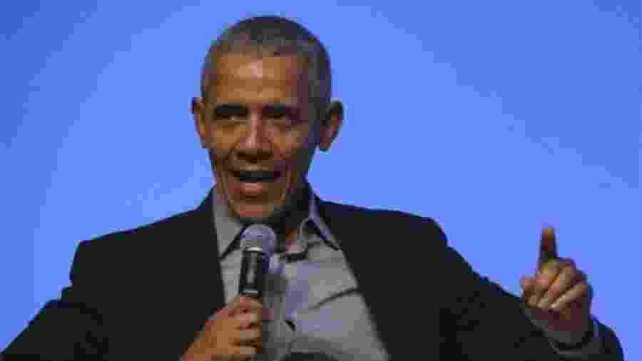 """""""Agora, mulheres, eu só quero que vocês saibam; vocês não são perfeitas, mas posso dizer que são indiscutivelmente melhores do que nós (homens)"""", disse Obama - EPA"""