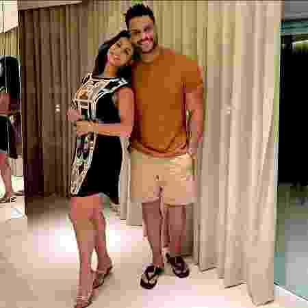 Scheila Carvalho ao lado do marido Tony Salles - Reprodução/Instagram