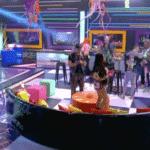 A Fazenda 2020: Peões curtem festa neon - Reprodução/Playplus