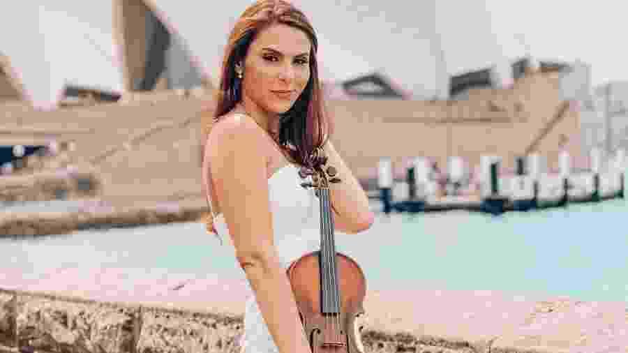 A violinista brasileira Anna Murakawa lutou pelo visto australiano de artista - reprodução Instagram