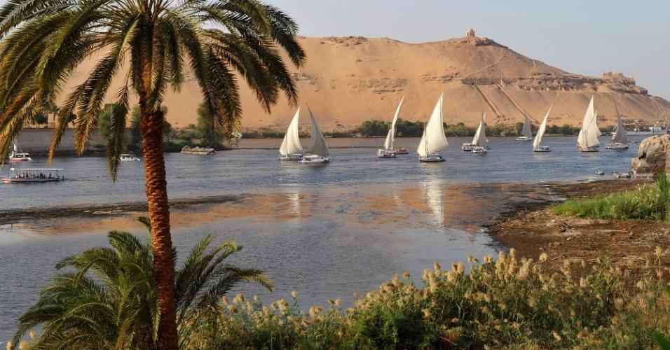 Barquinhos no rio Nilo