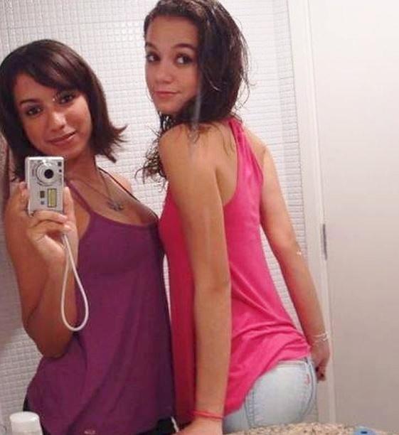 Anitta durante a adolescência, em imagem recuperada do Orkut