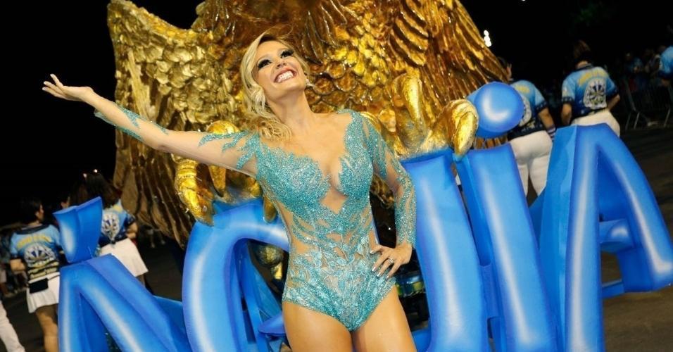 Embaixadora da Águia de Ouro, Luisa Mell desfila deslumbrante no último ensaio técnico da agremiação em São Paulo