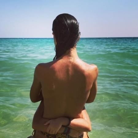 Bela Gil faz topless em Portugal - Reprodução/Instagram/belagil