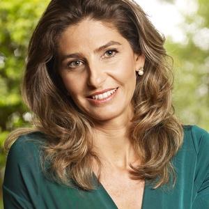 Adriana Foz