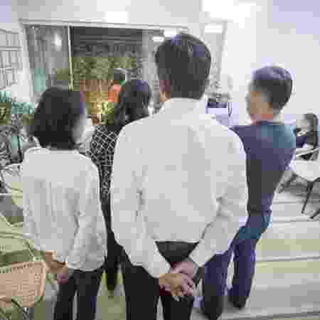 Grupo se reúne em clinica da dra Solange Bertão para sessão de Constelação Familiar - Marcelo Justo/UOL - Marcelo Justo/UOL