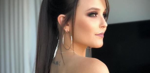 Larissa Manoela consegue autorização dos pais e faz primeira tatuagem -  Entretenimento - BOL c5698ae8cb
