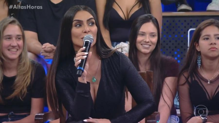 """Cleo Pires evita polêmica lançada por jovem da plateia do """"Altas Horas"""" e faz Serginho cair na gargalhada - Reprodução/Globo"""