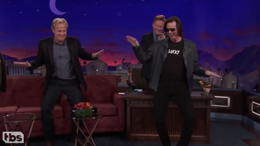 "Jeff Daniels e Jeff Daniels no programa de Conan O""Brien - Reprodução"