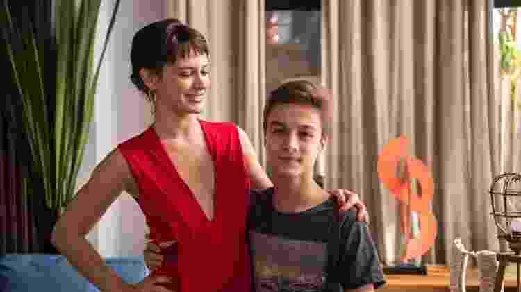 "Clara (Bianca Bin) e Tomaz (Vitor Figueiredo) em ""O Outro Lado do Paraíso"" - Globo/ Estevam Avellar - Globo/ Estevam Avellar"