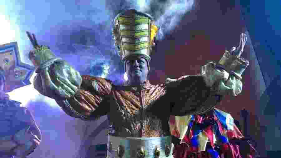 André Luís Santos, o Dallas, foi o Rei Momo do Carnaval de Salvador em 2018 - Reprodução/Facebook