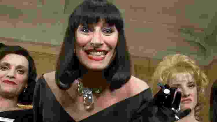 Anjelica Huston em cena de Convenção das Bruxas (1990) - Reprodução - Reprodução