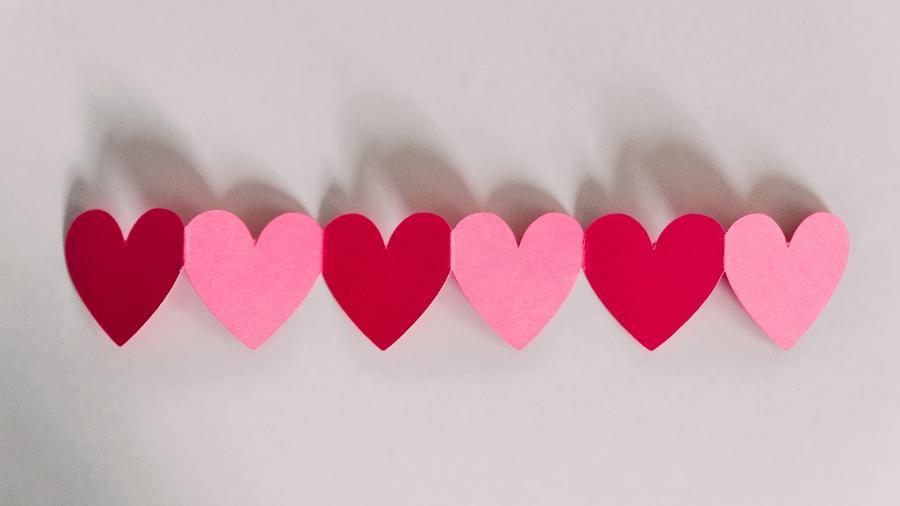 Amor em maio - Kelly Sikkema/Unsplash
