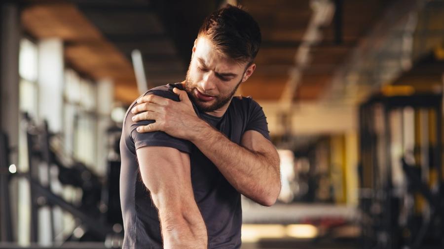 Recorrer a anti-inflamatórios para aliviar a dor pós-treino e voltar a malhar forte no dia seguinte prejudica os ganhos do exercício - iStock