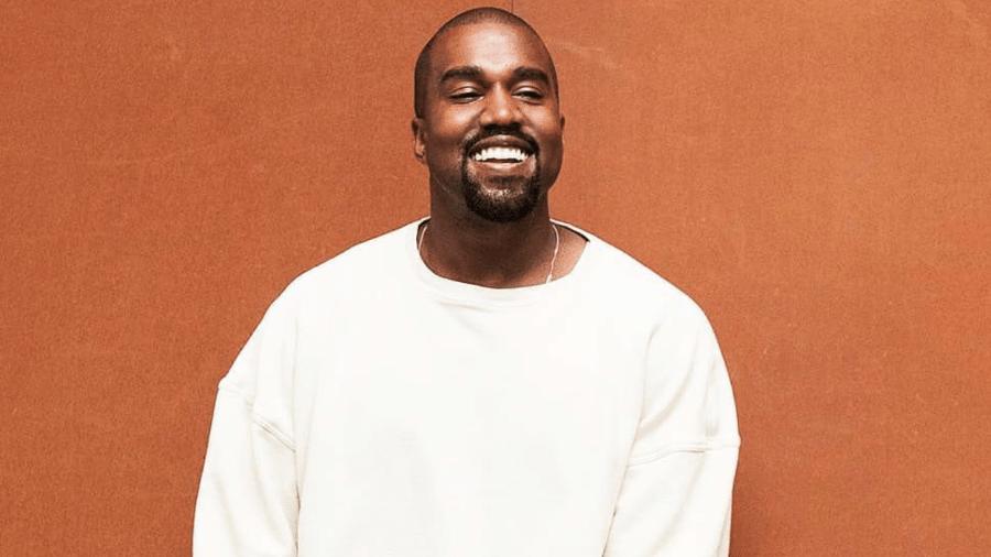 """Fã de Kanye West vende saco de ar """"respirado"""" pelo rapper - Reprodução"""