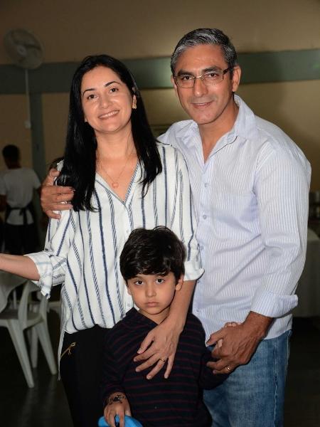Neilde e Jackson são pais de Luiz, de 5 anos - Arquivo pessoal