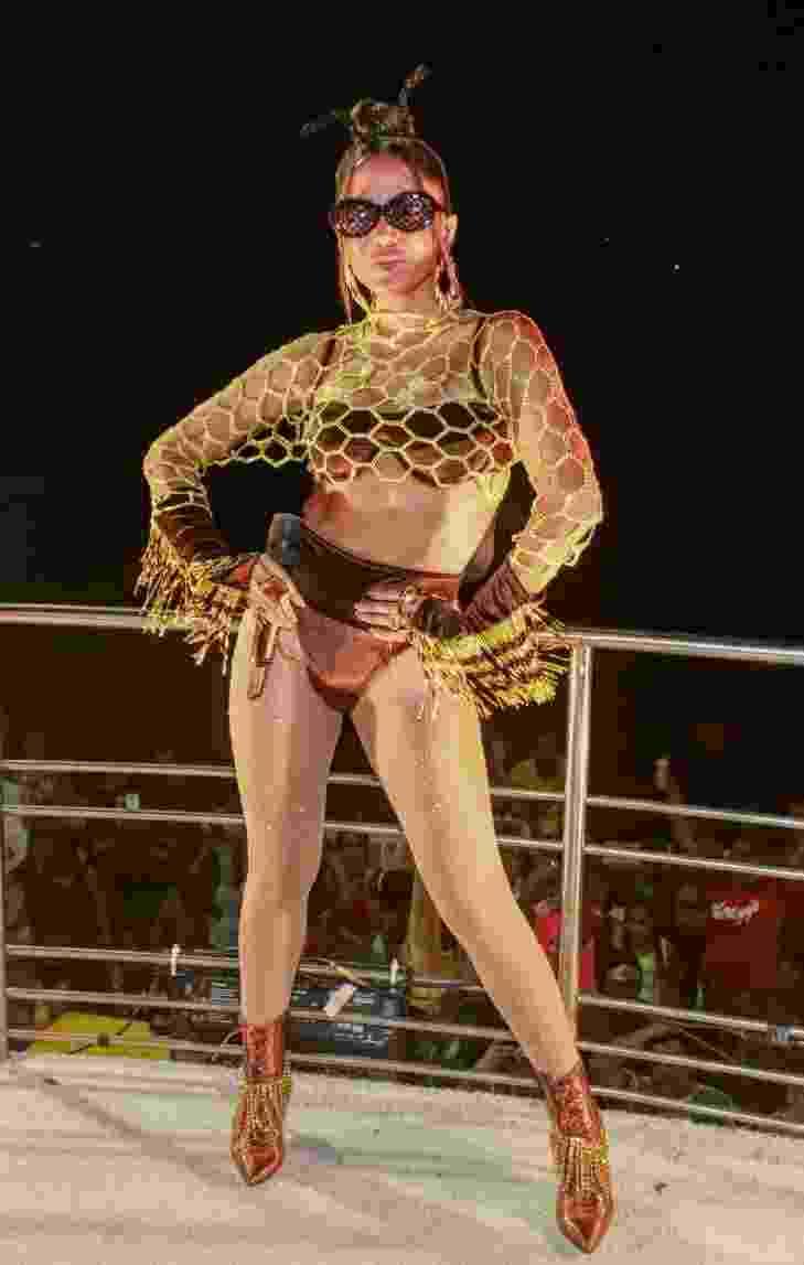 Anitta comanda trio no circuito Barra-Ondina, em Salvador - Dilson Silva/AgNews