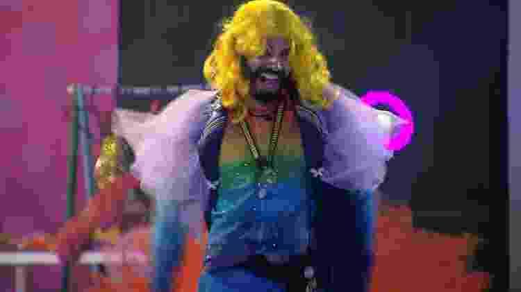 BBB 21: Gilberto faz performance fantasiado de Britney Spears - Reprodução/Globoplay - Reprodução/Globoplay