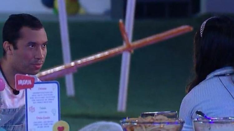 BBB 21: Juliette alerta Gilberto em festa - Reprodução/Globoplay - Reprodução/Globoplay