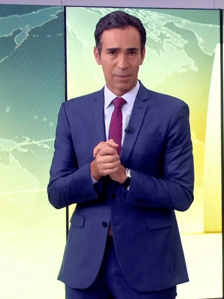 """Cesar Tralli foi o responsável por dar a notícia após logo do """"Jornal Hoje"""" - Reprodução/TV Globo"""