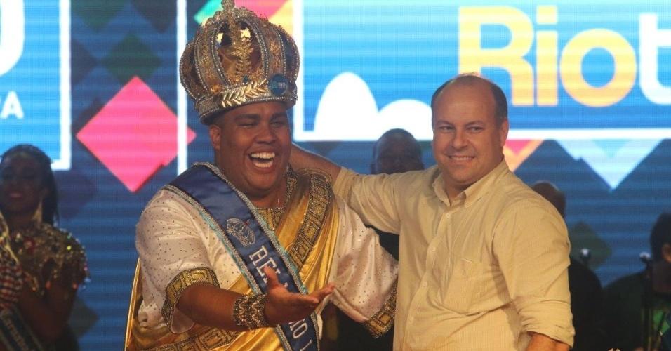 Wilson Dias recebe a coroa de Rei Momo