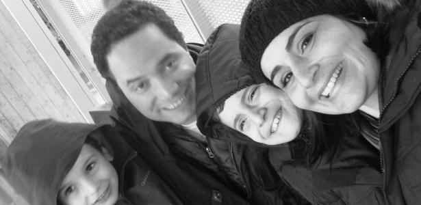 Daniela e Ulisses Capato com os filhos, João Gabriel (à esq.) e Otavio Augusto, em 2012 - Arquivo pessoal