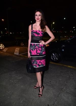 26.abr.2016 - Luciana Gimenez vai à SPFW com vestido florido - Leo Franco/AgNews