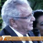 Aos 81 anos, Carlos Alberto de Nóbrega fez uma declaração de amor à namorada, Renata Domingues, e a pediu em casamento durante uma festa, em São Paulo - Reprodução/TV Globo