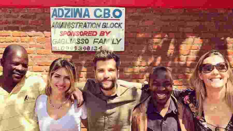 Bruno Gagliasso e Giovanna posam no Malaui - Reprodução/Instagram/brunogagliasso
