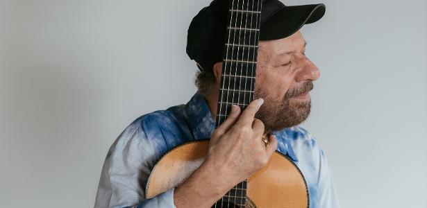 O cantor João Bosco