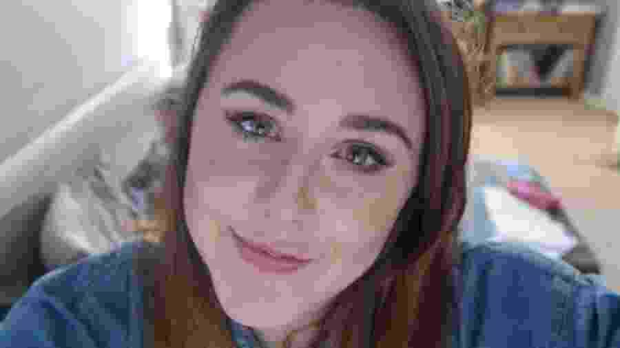 Anneli Roberts nunca tinha feito exame de papanicolau e compartilhou seus receios no Twitter - Arquivo pessoal/BBC