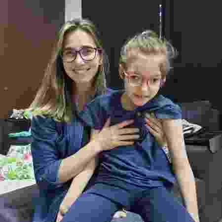 Katiele e a filha caçula, Anny, que hoje tem 11 anos - Arquivo Pessoal
