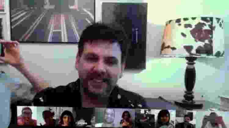 A ferramenta Hangouts, do Google, foi a escolhida para reunir os amigos - Arquivo pessoal