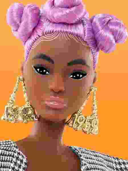 """O nome da coleção, """"BMR1959"""", vem das iniciais do nome completo da Barbie e o ano em que ela foi criada - Divulgação"""